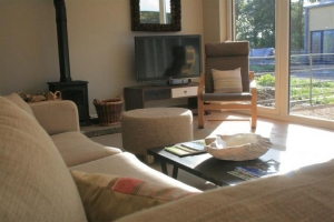 notgrove cotswold holiday cottage cobnut barn living room5