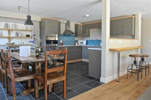 notgrove cotswold holiday cottage hazelnut barn kitchen dining