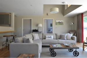 notgrove-cotswold-holiday-cottage-hazelnut-barn-living-room-2