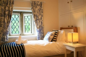 notgrove cotswold holiday cottage the lodge bedroom4
