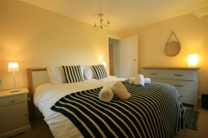 notgrove cotswold holiday cottage the lodge bedroom7