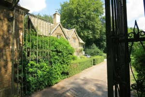 notgrove cotswold holiday cottage the lodge entrance