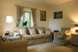 notgrove cotswold holiday cottage the lodge living room3