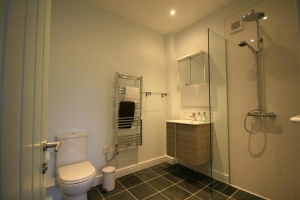 notgrove cotswold holiday cottage walnut barn bathroom